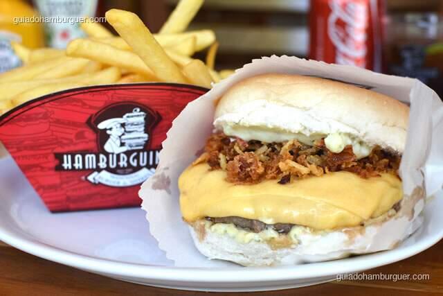 Mega Crispy com hambúrguer de 150g de picanha, queijo, cebolas crispy e maionse da casa - Hamburguinho, tradicional desde 1974