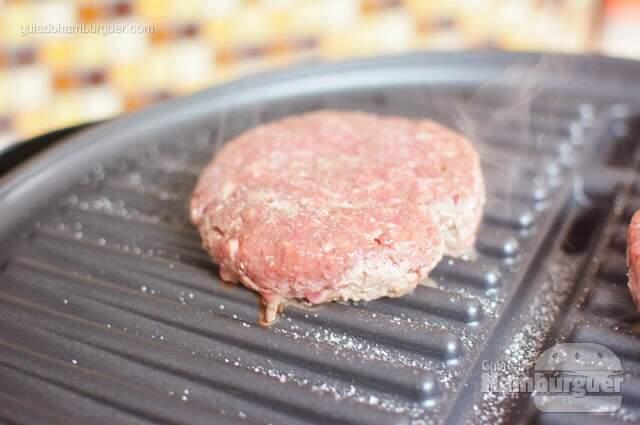Hambúrguer selando - George Foreman Grill
