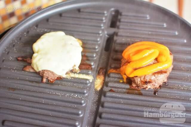 Após aproximadamente 1 minuto o queijo estava derretido - George Foreman Grill