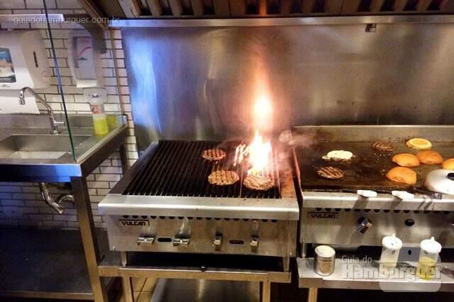 Grelha char broil - Q-Burger