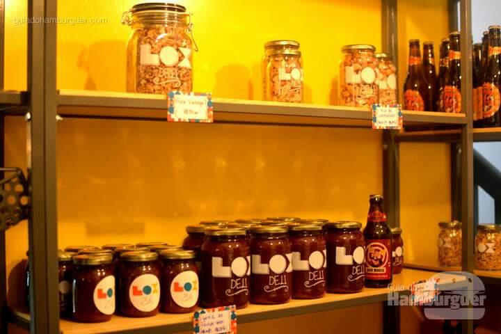 Geleia de frutas vermelhas e granola - Lox Deli