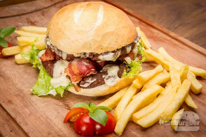 especial celeiro  cwb burger