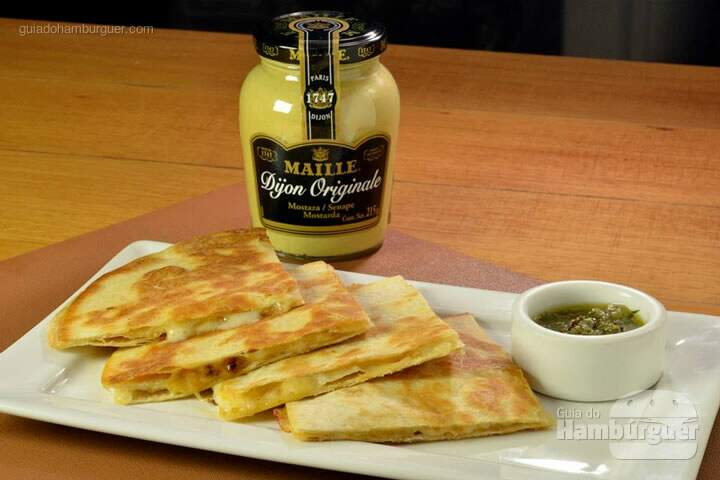 feed-food-quesadilla