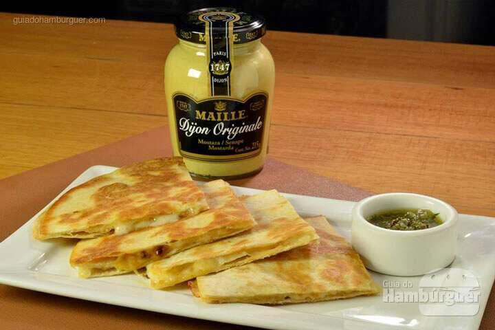 feed-food-quesadilla