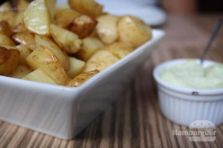 Porção de batatas com maionese - Vapor Burger