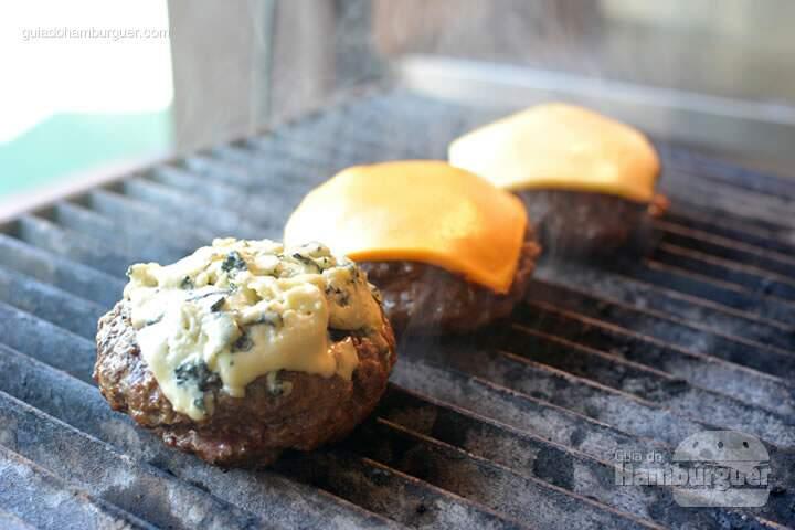 Hambúrguer com queijo  - Stunt Burger