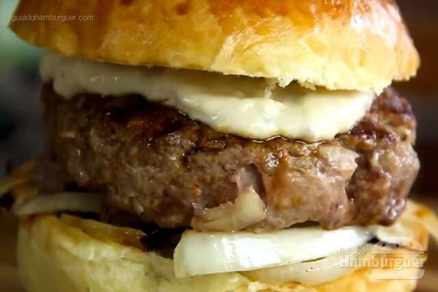 Receita de hambúrguer com creme de gorgonzola
