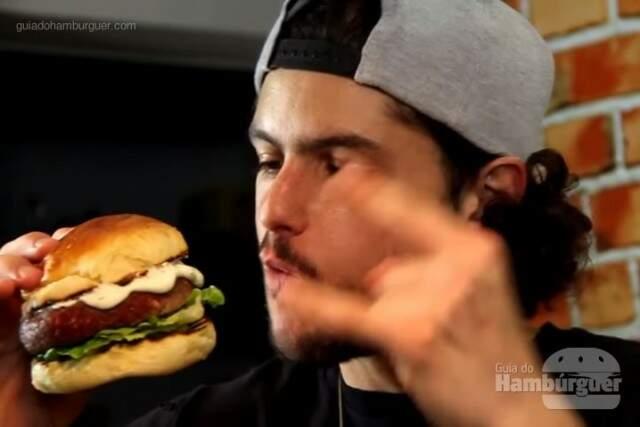 Receita de hambúrguer caseiro de kibe cru