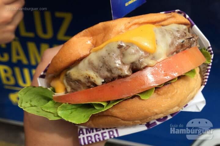 Super 8 - Luz Câmera Burger