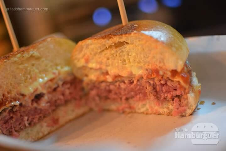 Cheeseburger - Burger Crawl