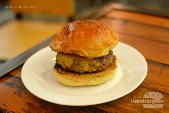 Cheeseburger - Frank & Charles