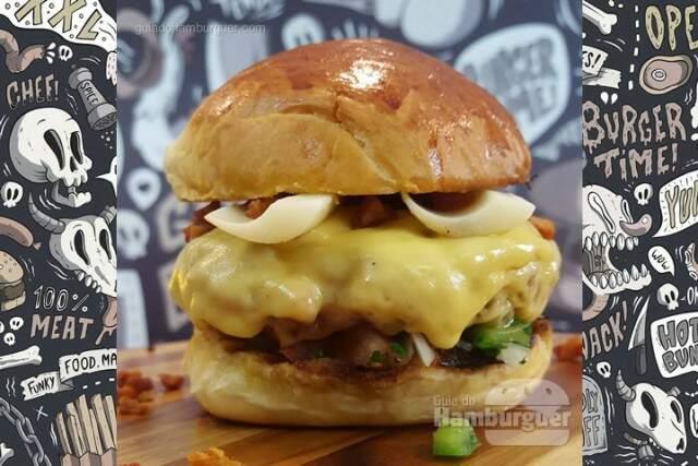 Receita de hambúrguer de calabresa com vinagrete, bacon e palmito - Sanduba Insano