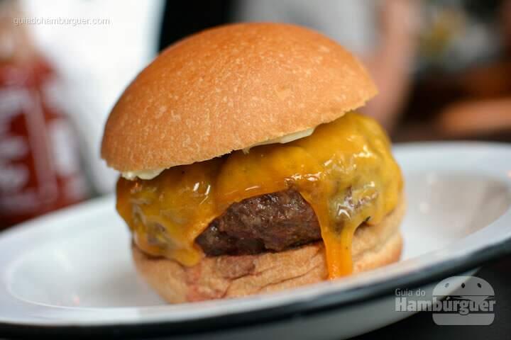 Cheeseburger - 12 Burguer & Bistrô