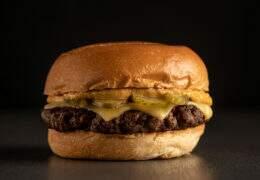 Bullguer presenteará com 2.500 burgers em ação especial para o Dia Internacional do Hambúrguer