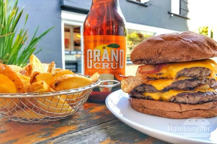 Frank & Charles comemora dia do hambúrguer 27 de maio